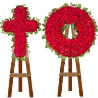 Крест из цветов. Комплекты на стойке