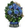 Богатая траурная корзина в синем цвете