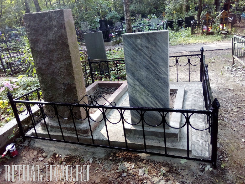 Переустановка памятников с укладкой тротуарной плитки.