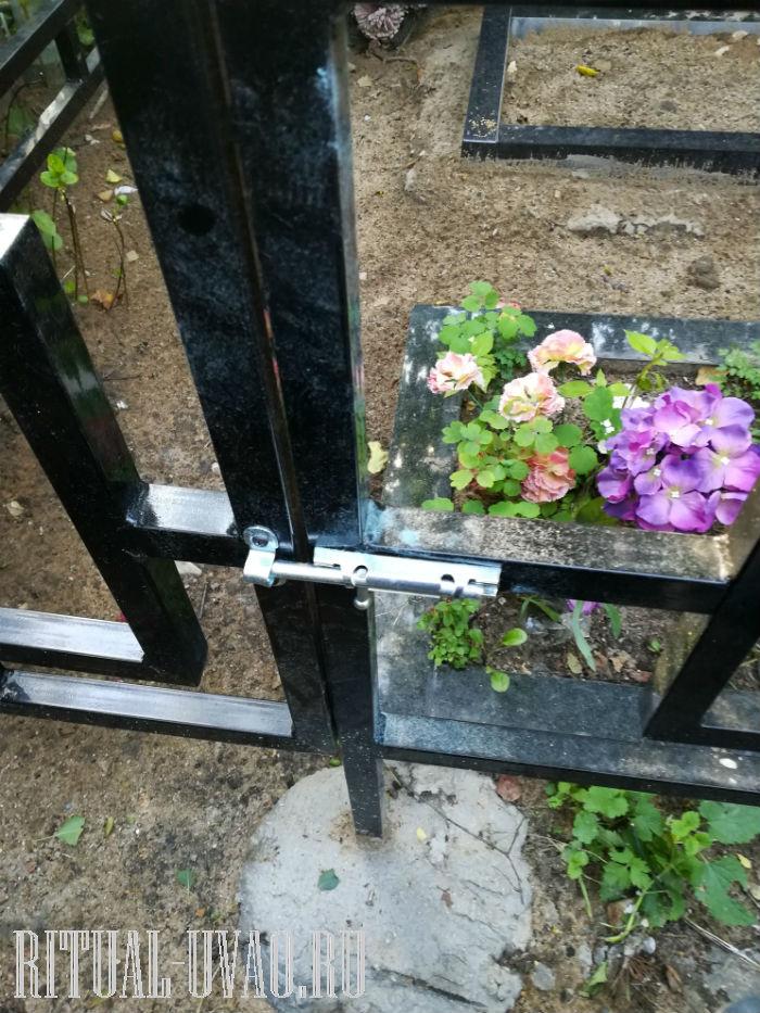 Обновить ограду на кладбище. Ремонт, покраска