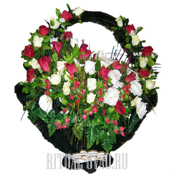 Похоронные корзины из искусственных цветов