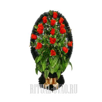 Корзина искусственная с красными цветами