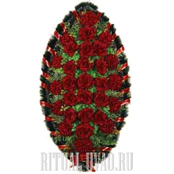 Бордовый, сочный цвет в траурном символичном венке