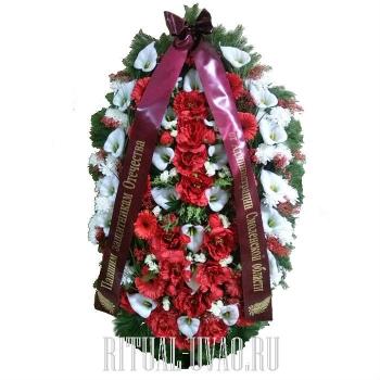 Венок на могилу с лентой - натуральные цветы