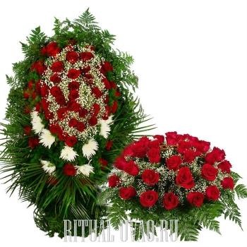 Венок - Розы, Хризантемы, Гипсофилл + корзина из Роз