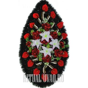 Выразительный, красочный венок на похороны