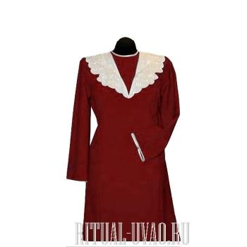Платье с вышитым воротником