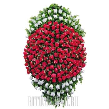 Авторский венок на похороны из Тюльпанов