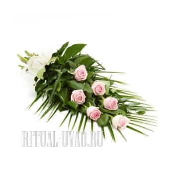 Траурный букет из красивых, желтых Роз