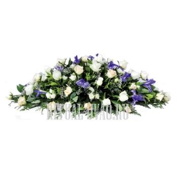 Композиция на гроб Роза, Ирис, Гипсофилла