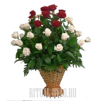 Корзина с Розами стандартная