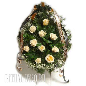 Дешево купить венок из живых цветов