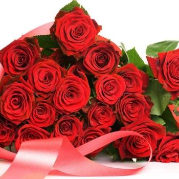 Похоронная корзина из 30 или 50 красных Роз