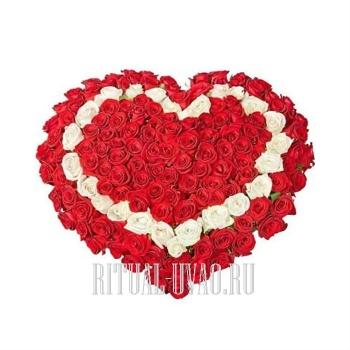 Сто алых Роз в виде сердечка