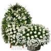 Траурный венок с корзиной из 150 кипельно-белых цветов